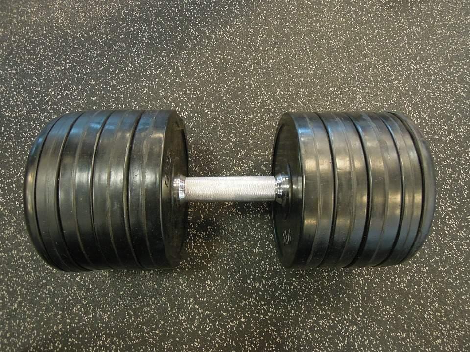 building muscle calorie deficit